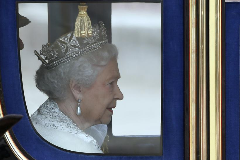 Queen Elizabeth in carriage
