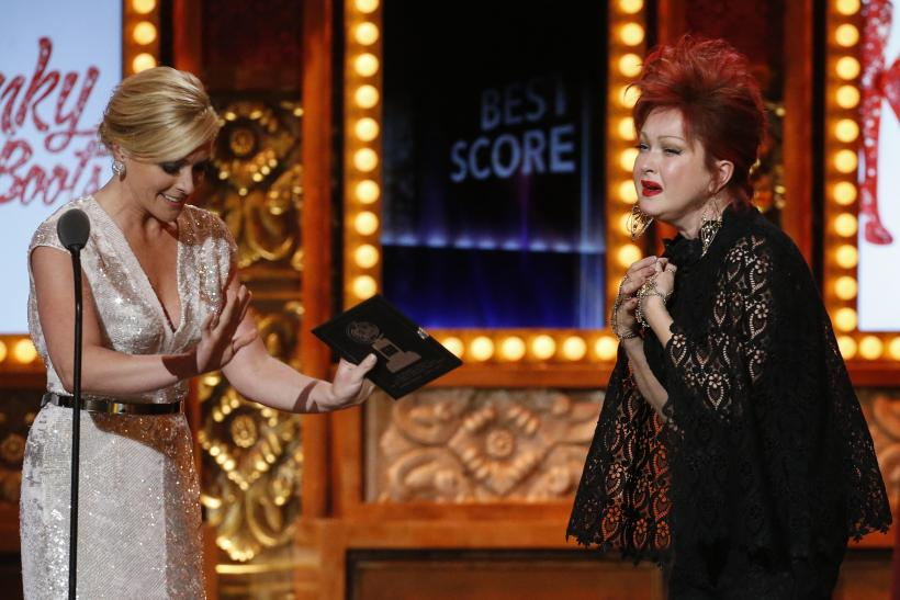 Tony awards 2013 kinky boots wins as best musical for Kinky boots cyndi lauper
