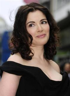 Nigella Lawson Leaves Home After Reported Choking 'Attack' By Charles Saatchi, Police Looking Into Abuse Allegations