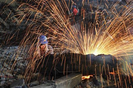 China's Manufacturing PMI Dips Again: HSBC