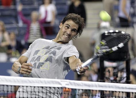 Nadal Easily Defeats Ferrer