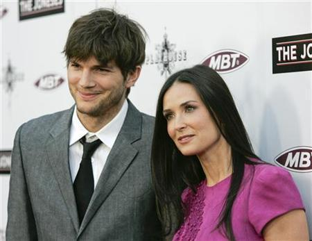 Are Ashton Kutcher And Demi Moore Back Together? Former Couple Reunites At Airport [VIDEO]