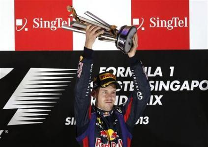Vettel Eases To Singapore Hat-Trick