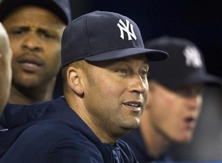Yankees Re-Sign Captain Jeter To One-Year Deal