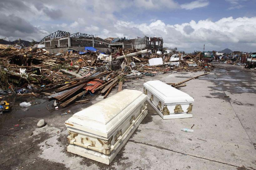 Typhoon Haiyan in Philippines coffins