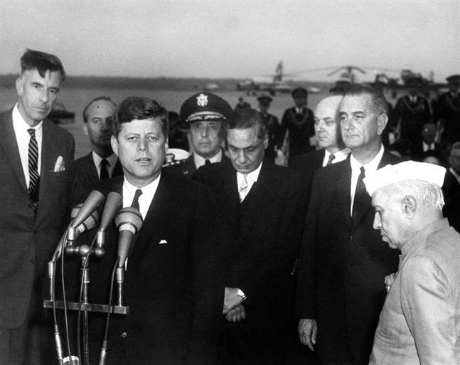 Kennedy with Nehru (at left) in Nov. 1961