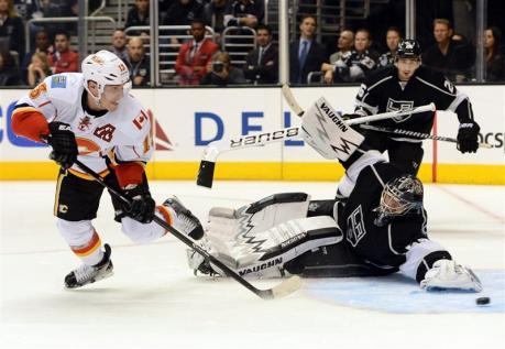 Kings Goalie Scrivens Suffers Rare Burn By Flames