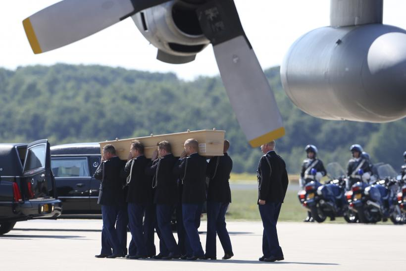 MH17 victims arrive in Netherlands