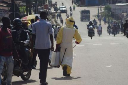 Liberia Shuts Border Crossings To Curb Ebola Spreading