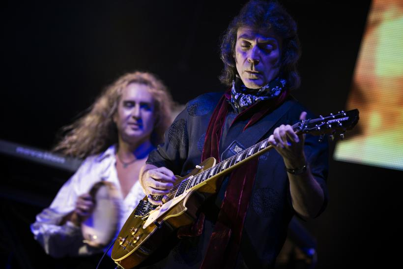Steve Hackett Genesis Guitarist Revisits His Classic