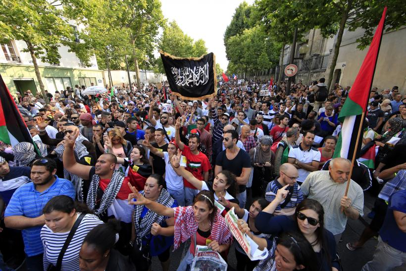 Thousands Of Palestinian Supporters Demonstrate In Paris