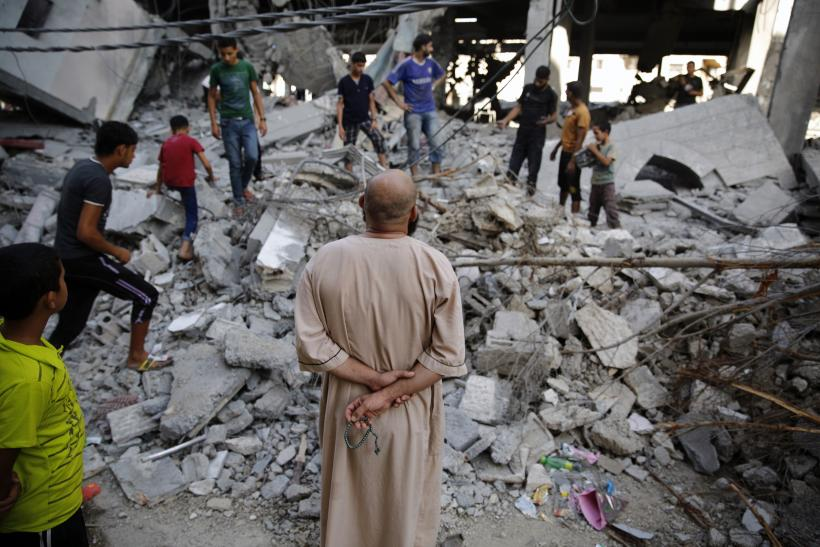 Gaza Will Endure Long Night Before 72-Hour Cease-Fire