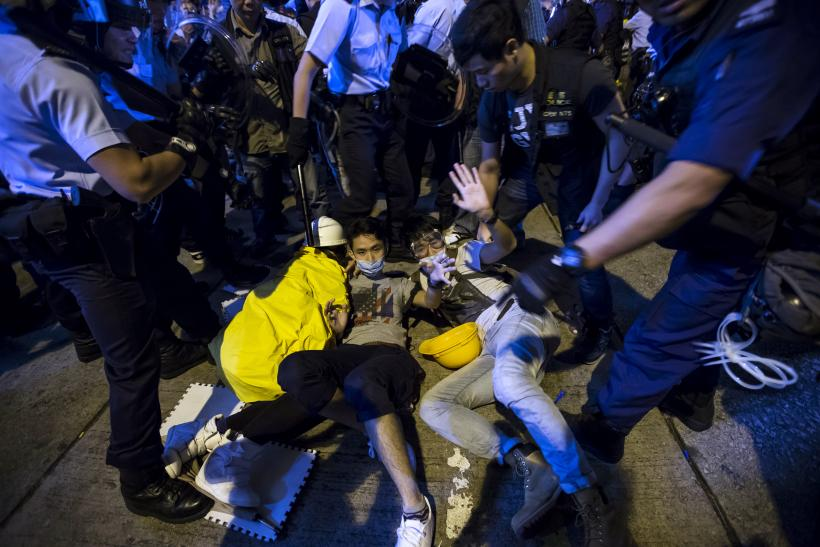 Mong Kok Protest Site Cleared, Student Leaders Arrested
