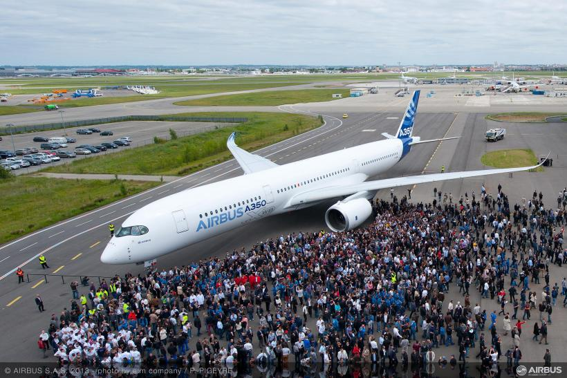 Airbus Shows Off The First A350 XWB, The Boeing 787's Rival [PHOTOS]