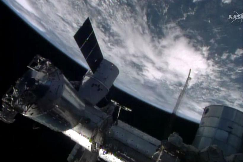 Easter Delivery At The International Space Station: SpaceX Dragon Brings 2.5 Tons Of Cargo To The ISS [VIDEO]