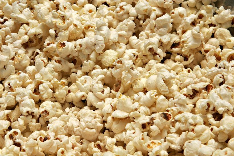 Popcorn Time Threatened: Free Movie Streaming Site Draws Attention From Netflix, Copyright Cops