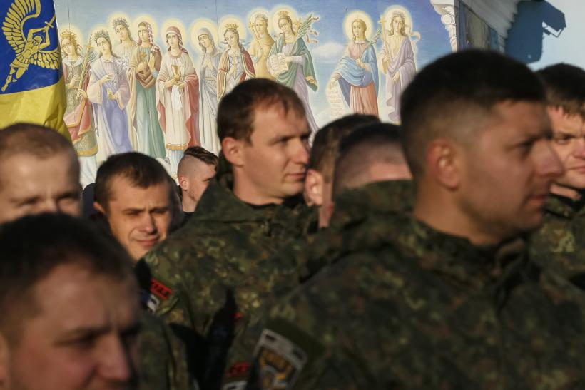 7,500 Russian Troops In Eastern Ukraine, Defense Minister Says