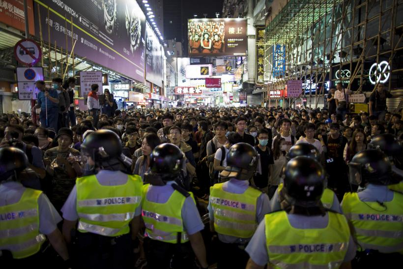 HK Protesters Threaten To Target Government Buildings