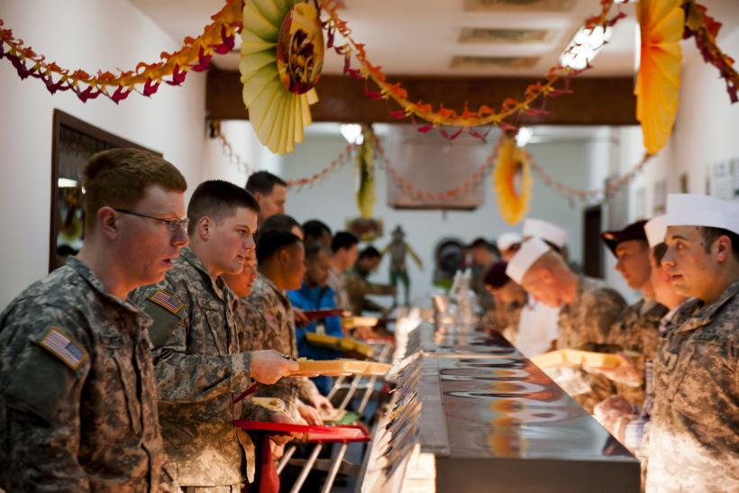 Thanksgiving 2014: US Troops Overseas Celebrate Holiday With Turkey [PHOTOS]