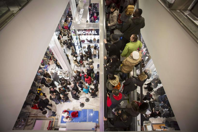 Super Saturday 2014: Holiday Shoppers Come Out In Droves To Scoop Up Seasonal Discounts