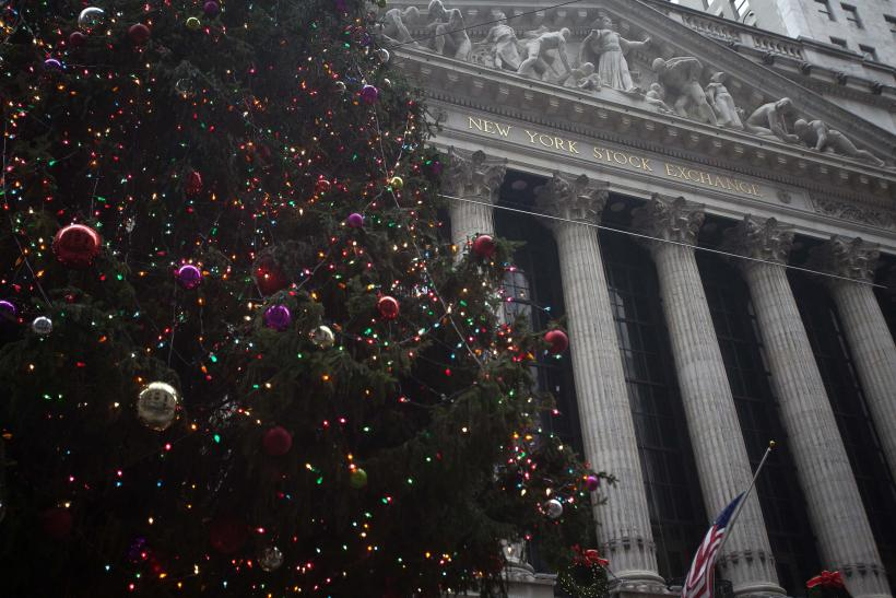 Santa Claus Rally 2014: Dow Jones Industrial Average, S&P 500 Index Smash Records