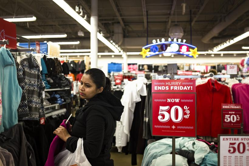 Retailers Expect To Meet Holiday Sales Forecasts After Last-Minute Sales