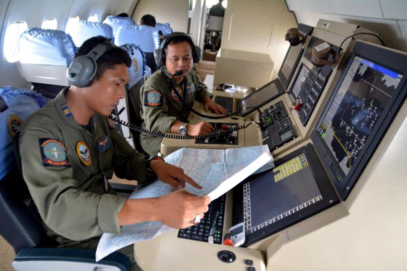 Search For AirAsia Flight QZ8501 Enters Second Day