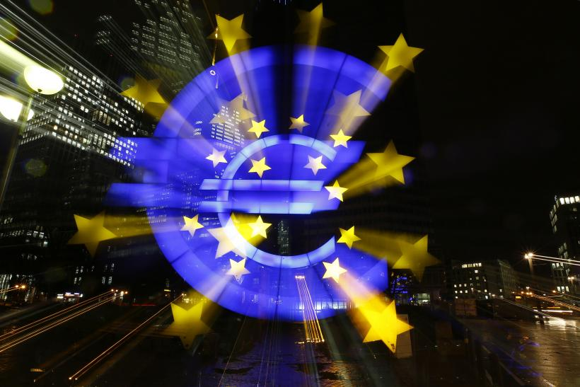 Euro Hits 11-Year Low Before ECB, Stocks Edge Higher