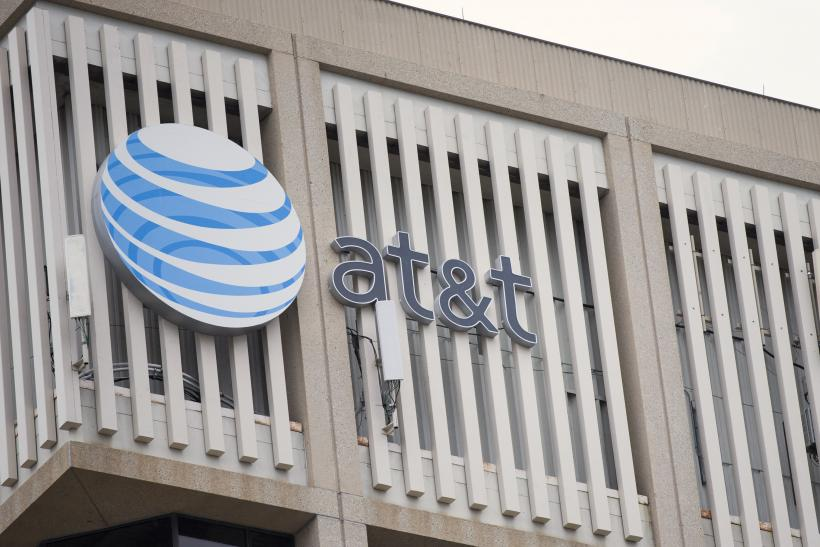 AT&T Sees Subscriber Growth In Competitive Market For IPhones