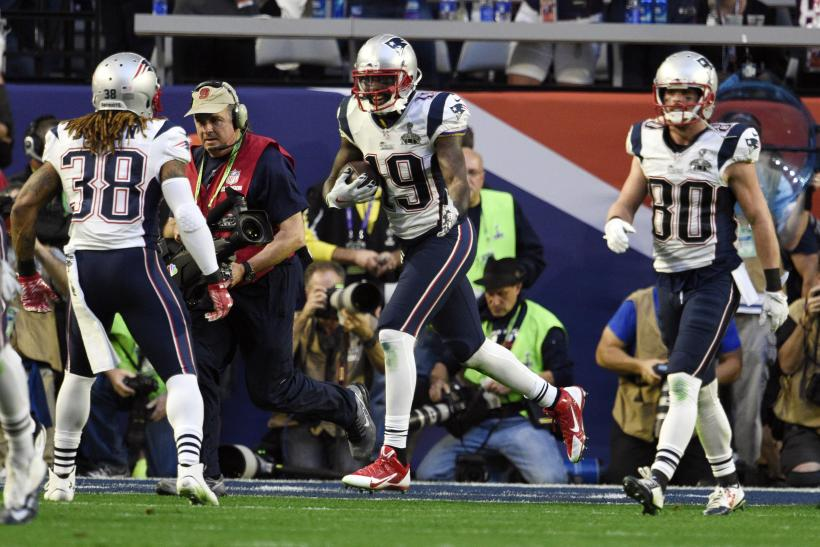 Super Bowl 2015 Halftime Recap: Patriots, Seahawks In Close Battle