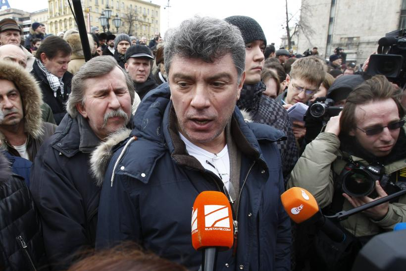 Boris Nemtsov Murder: Tens Of Thousands Gather To Mourn And March In Moscow