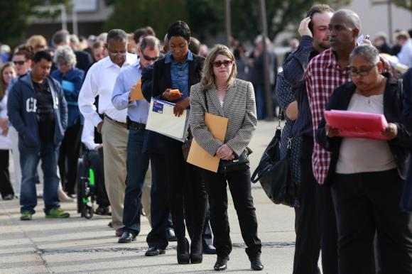 Sturdy US Jobs Report Seen, Could Keep June Rate Hike On Table