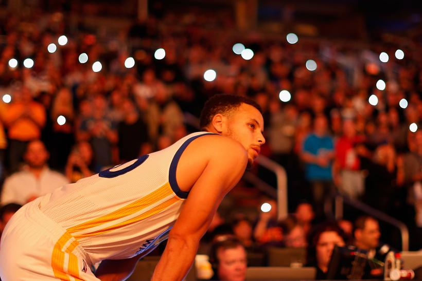 StephCurry_Nov27_ChristianPetersen_Getty