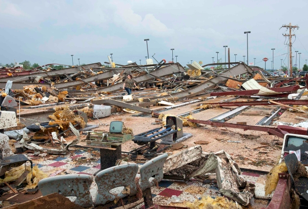 Oklahoma Tornado 2013: Photos And Footage Of The Twister's Devastation [PICTURES, VIDEO]